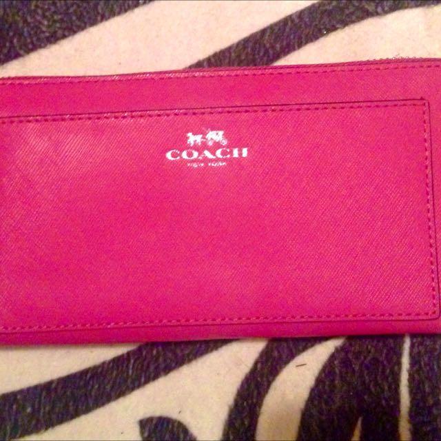 Authentic COACH  fuschia Wallet. BRAND NEW