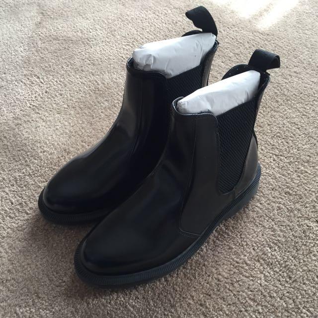Brand New Dr Martens Kensington Flora Chelsea Boots