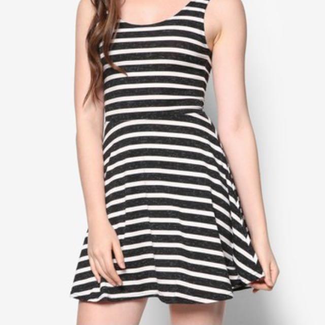 7cca410f77 BNWT Factorie Black   White stripes Slipper Dress