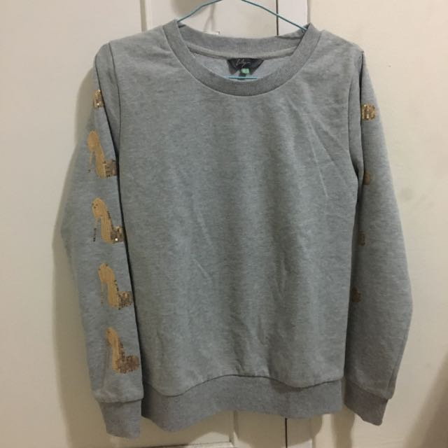 [REPRICED] High-heels Grey Sweater