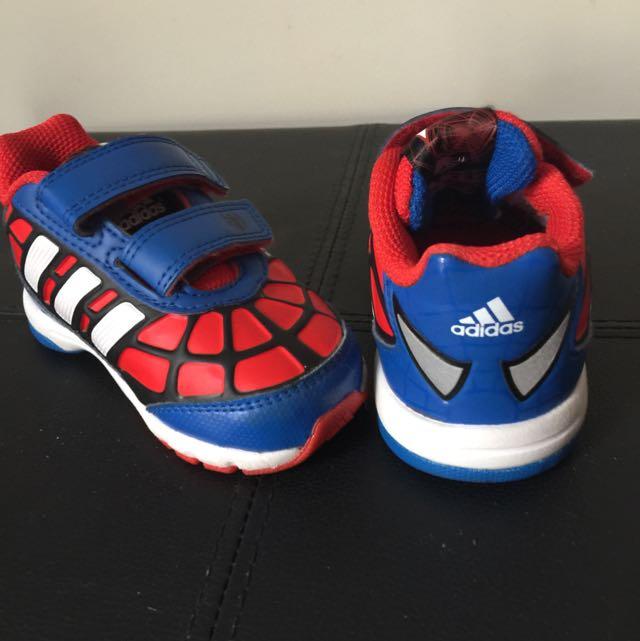 Mini ADIDAS KICKS spiderman!