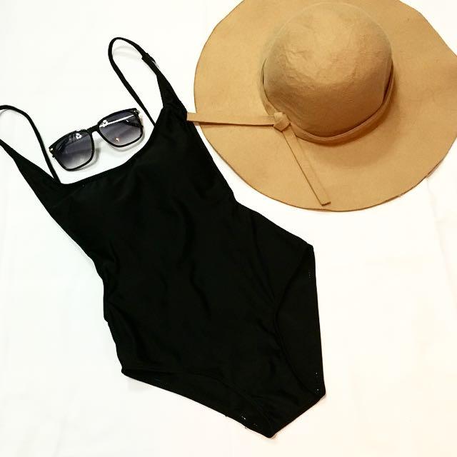 One-piece Swimwear