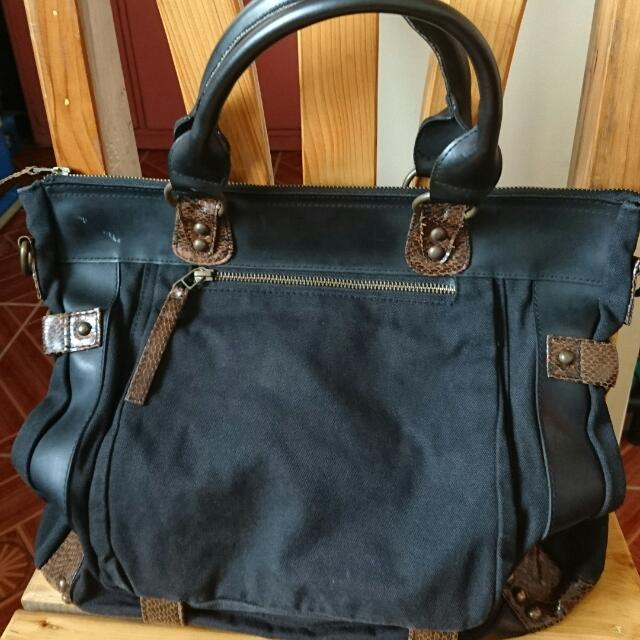 Plains & Prints Dark Blue Handbag