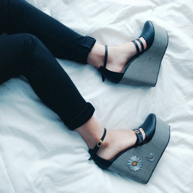 Reprice Wedges Up Shoes