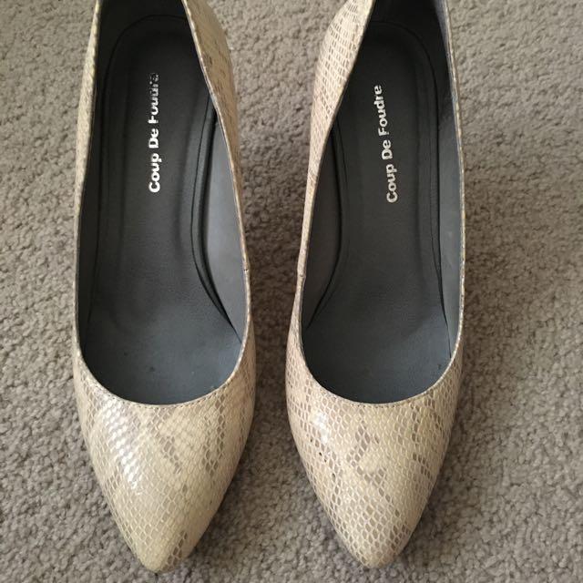Size 38 - Coup De Foudre cream heels