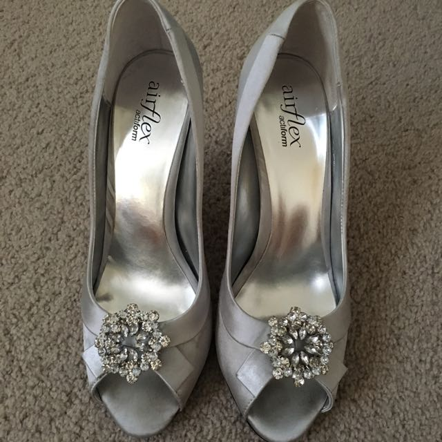 Size 7.5 - Air flex Silver Heels With Embellishment