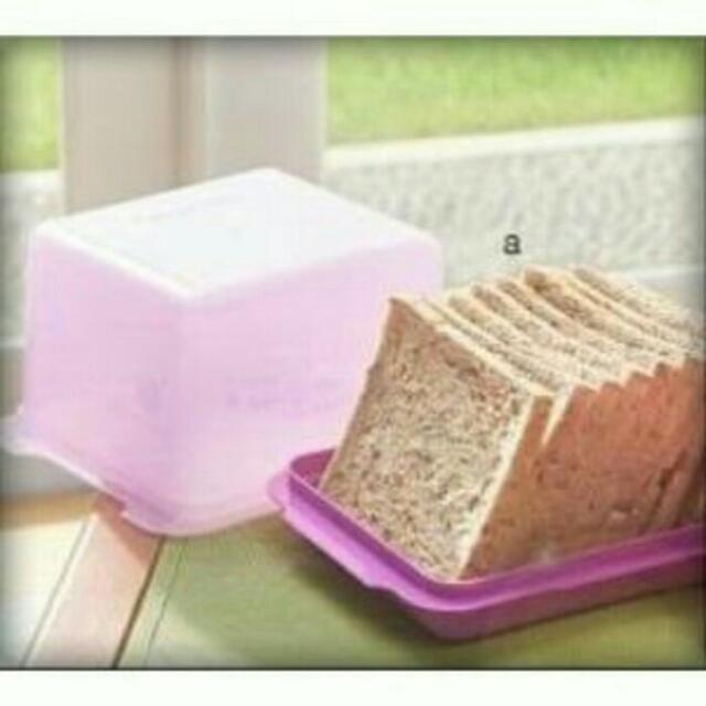 Tempat Roti Mozaik Bread Lover Tupperware