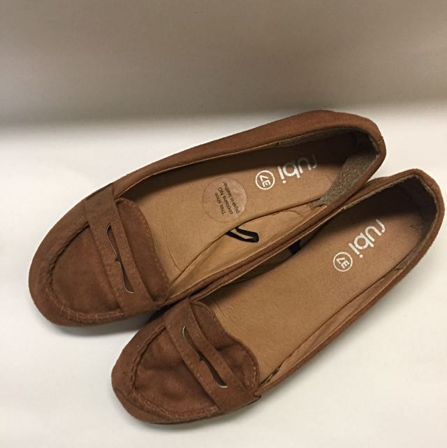 vintage brown flat shoes