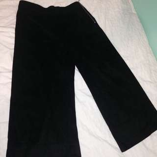 Zara - High Waisted- Velvet 3/4 Palazzo Pants