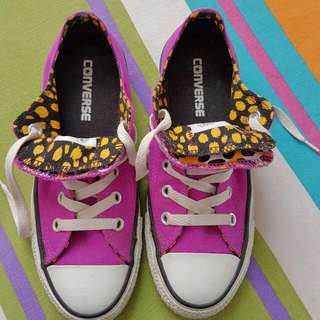 Size 6  Purple Converse Low Cut
