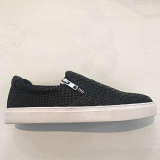 Textured Slip On's / Sneakers