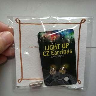 韓 Puree LED發光鑽飾耳環