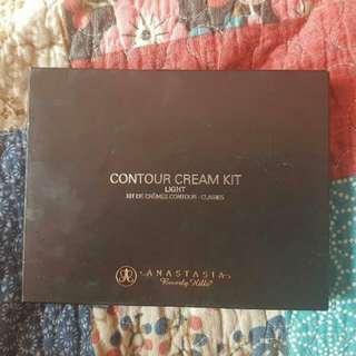 Anastasia Beverly Hills Cream Contour Kit: Light