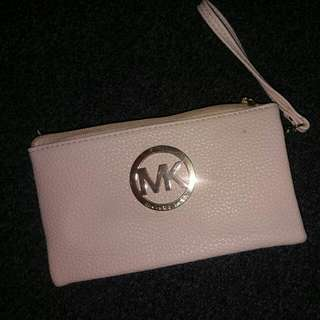 Brand New Micheal Kors Beige 3pk Coin/ Card/ Phone Purse