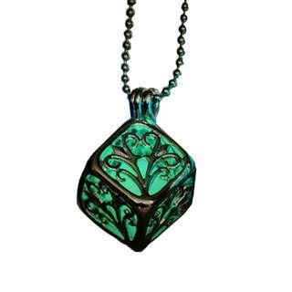 Specifications of La Vie Glow Life Of Tree Locket Hollow Pendant Chocker Necklace ( GREEN )