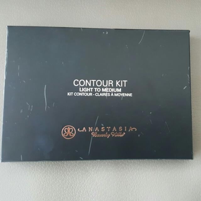 Anastasia Contour Kit - Light To Medium