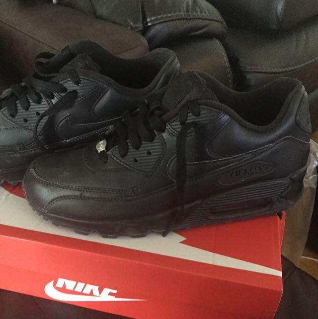 Black Nike Air Max