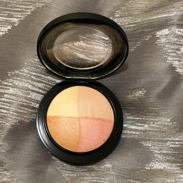 Brand New Mac Skin Finisher In Faintly Fabulous