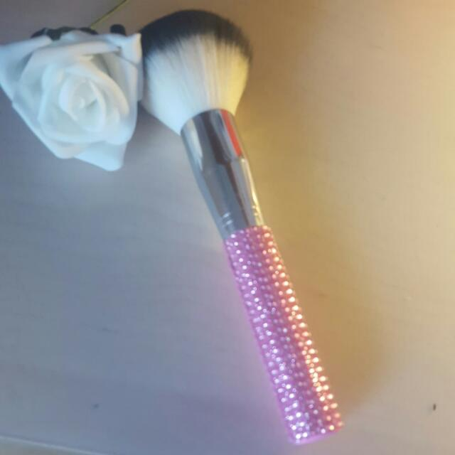 Large Pink Diamonte Soft Powder Brush