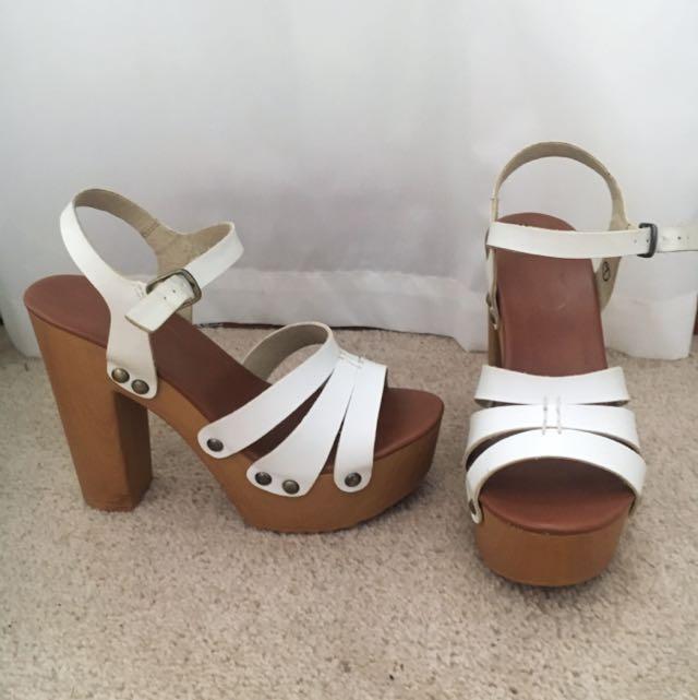 Lipstik Mode White Platform Heels