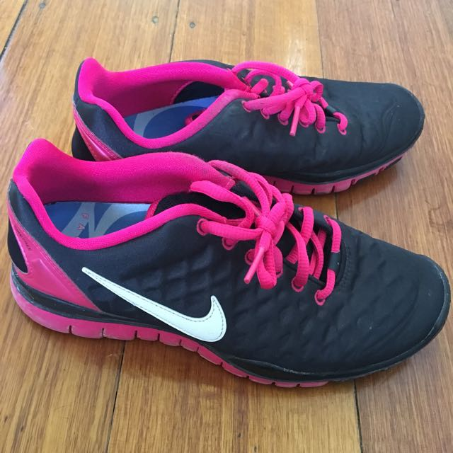 Nike Pink And Black Shoes Size:US7