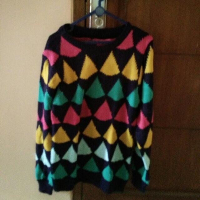 Sweater Piramid