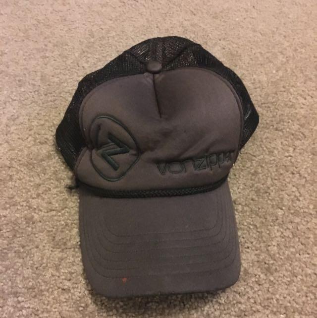 Triple Black Vonziper Hat