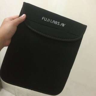Fujilabs Tablet Gadget Cover Smooth Black 10""