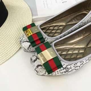 🚚 歐美方頭蛇紋舒適軟底工作鞋平底鞋[金屬蝴蝶結款] 黑/白/古銅 35-41