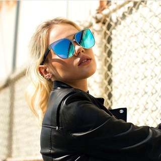 Quay Sorority Princess Sunglasses In Blue/silver Framw
