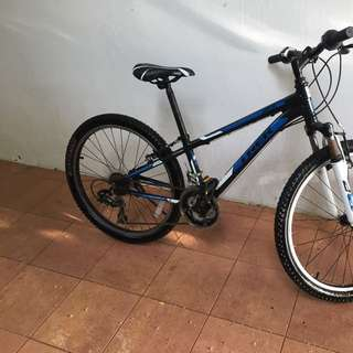 Trek Mountain Bike MT220 Kids Bike