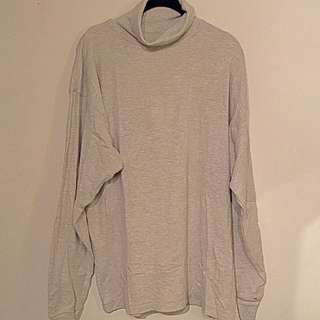 L Loose Fitting Turtle Neck Sweater
