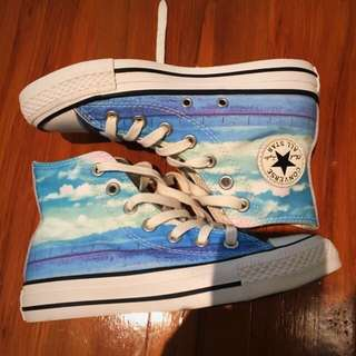 convers shoes size 5 new without box