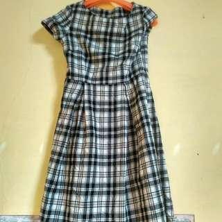 Midi Dress Kotak-kotak