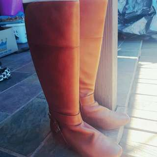 Brand New Tan Leather Diana Ferrari Knee Length Boots Size 5