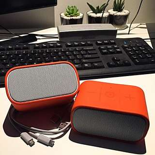 2x Logitech UE Mini Boom Speakers