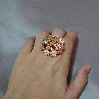 Pretty Floral Ring