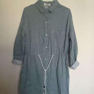 條紋綁繩修身裙,可作外套