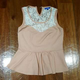 VALLEYGIRL Lace Peplum Top