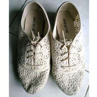 LOWER EAST SIDE Lace Oxfords like Zara or Topshop