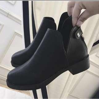 (保留)含運 全新 英倫風平底V口短靴 馬靴 踝靴