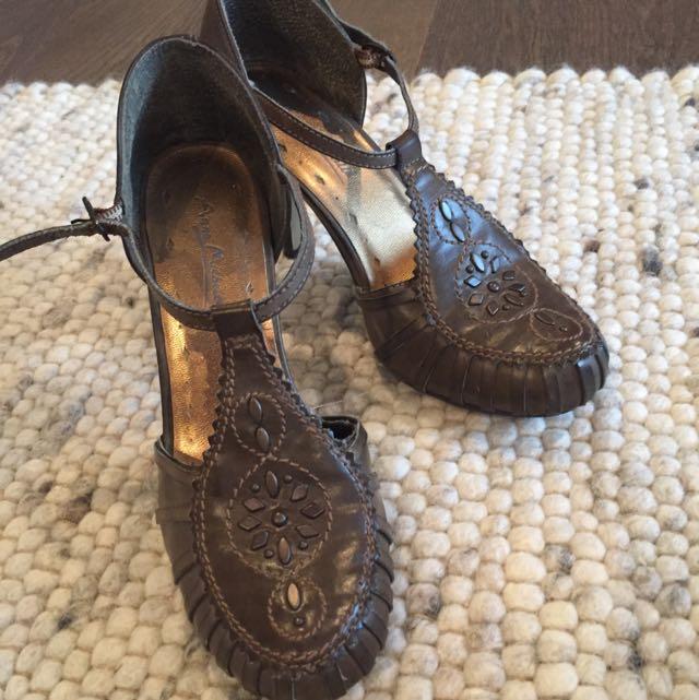 Anne Michelle Brown Heels
