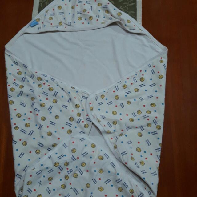 Baby's Hooded Blanket