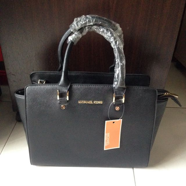 3acd6e96a8e4 BNWT Black Michael Kors Inspired Handbag, Luxury, Bags & Wallets on ...