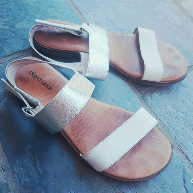 Classic White & Silver Leather Diana Ferrari Womens Sandals Size 8