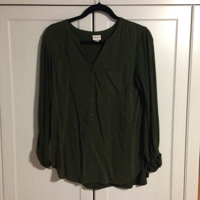Green Long Sleeve Flowy Shirt