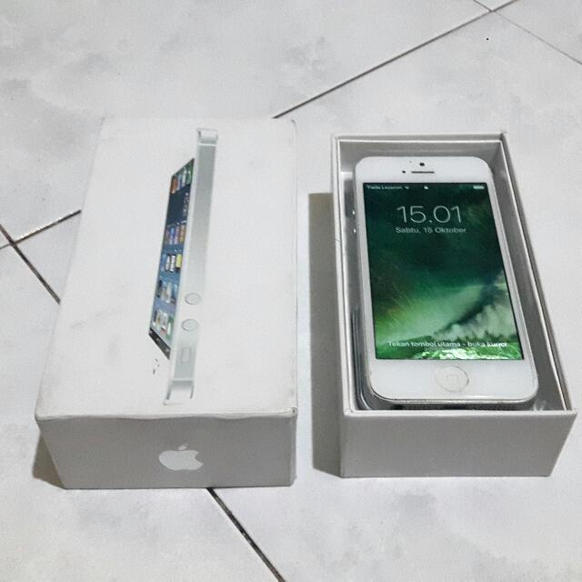 IPHONE 5 32GB WHITE FULLSET !!! MURAH MERIAH !!!