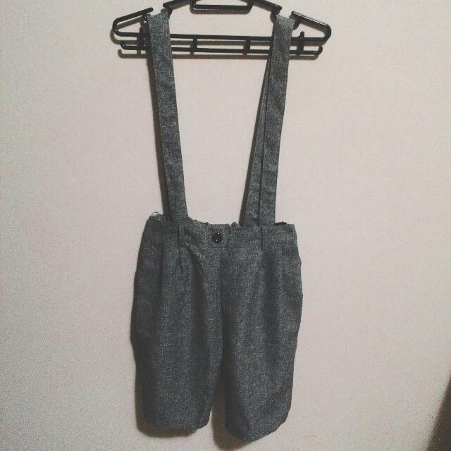 KOUZOU 灰色吊帶五分褲
