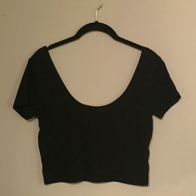 L Plain Black Crop Top