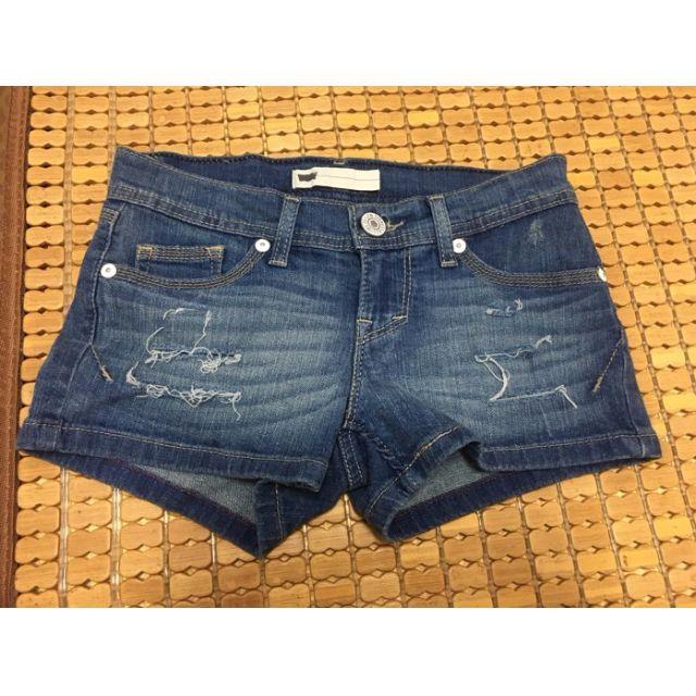 Levi's 牛仔短褲 女款 破損設計